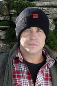 Yes, that is Craig from Big Brother 1 wearing a Heat Holders hat. I once met him on a cruise liner. Lovely chap as it happens but it's got nothing to do with this review.