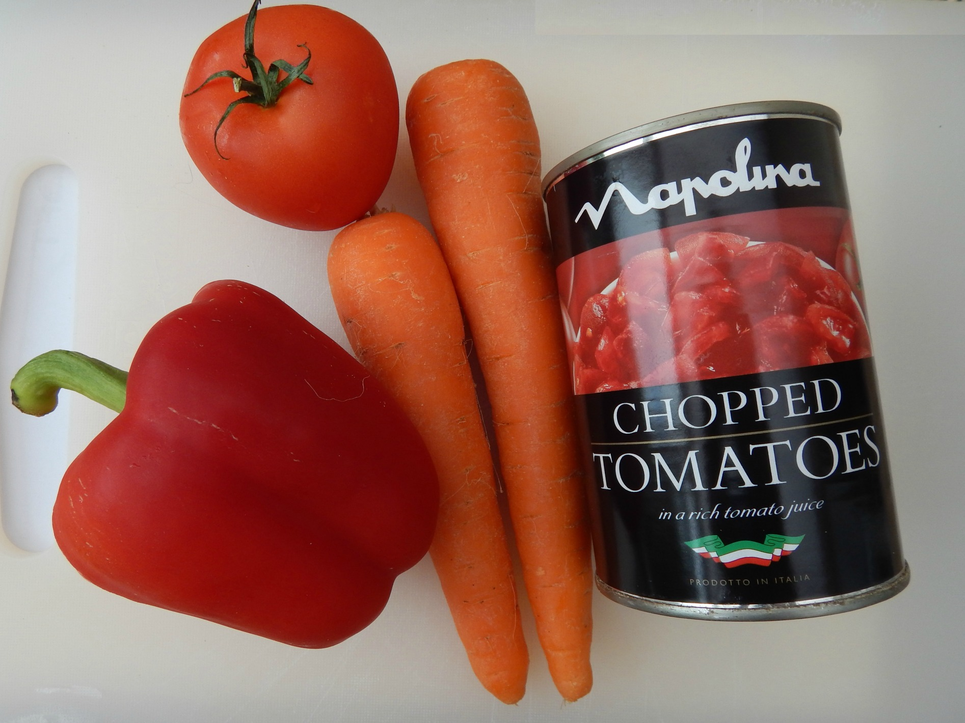 A basic, vegetable packed, child friendly tomato sauce
