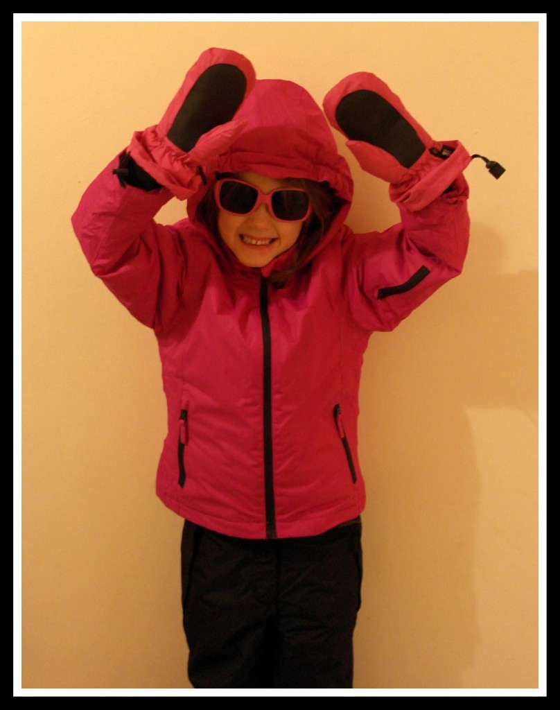 Bis sister modelling her ski wear set (sunglasses not included!).
