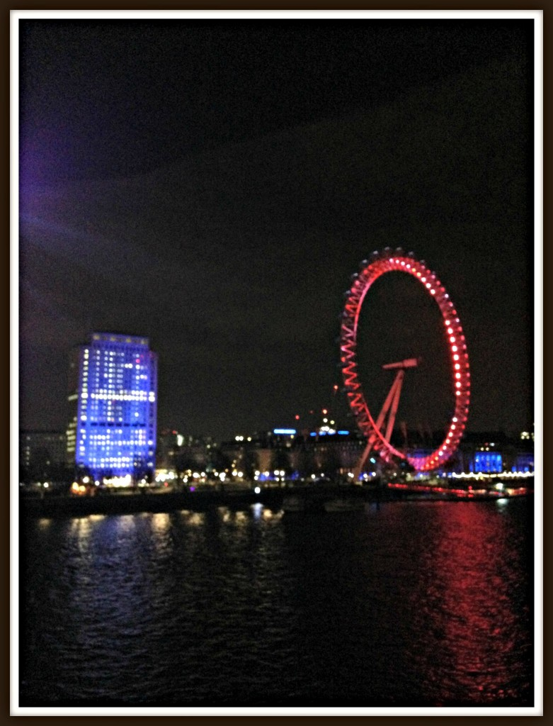 London Eye, Shell Building, London, London at night-time, Queen's Golden Jubilee Footbridge, Queen's Goldren Jubilee Footbridges,