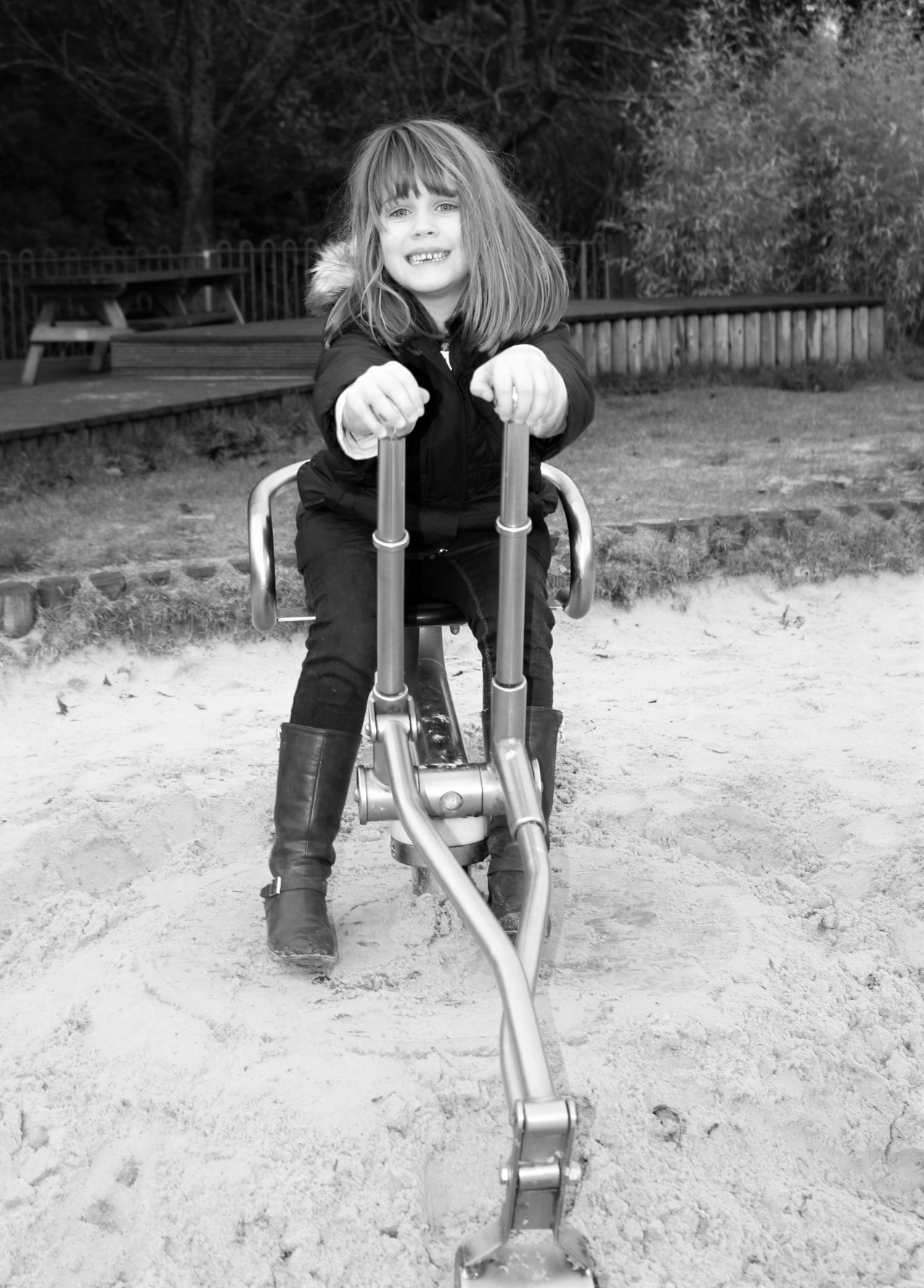 play, outdoor play, active children, health and wellbeing, teeth, smile, dental care, children. child