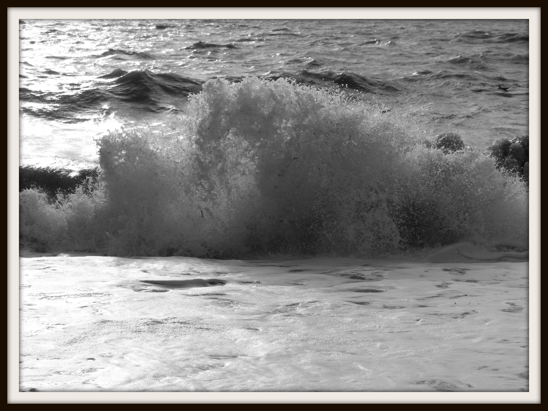 wave, waves, seaside, beach, Brighton beach,  photography, blogging, #MySundayPhoto