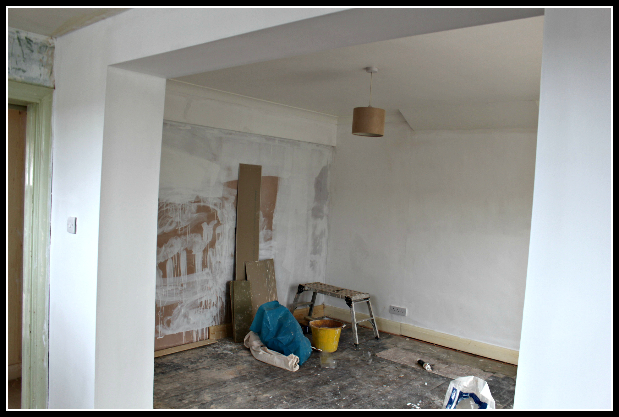 painting and decorating, undercoat, pure brilliant white, home improvement, DIY, kitchen, open plan
