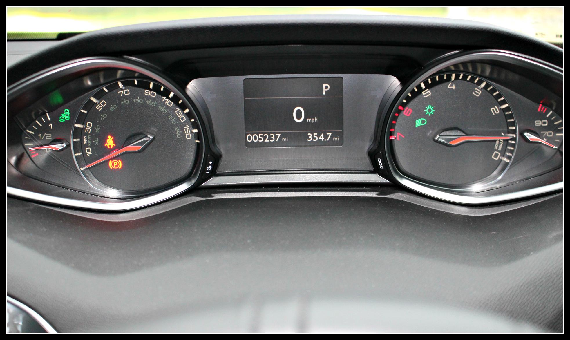Peugoet, Peugeot 308, driving, motoring, review, reviews, family friendly car