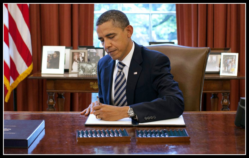 left-handed, left handed, development, Barak Obama