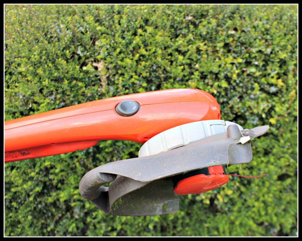 Flymo, COntour Cordless XT, gardening, DIY, home improvement, home maintenance
