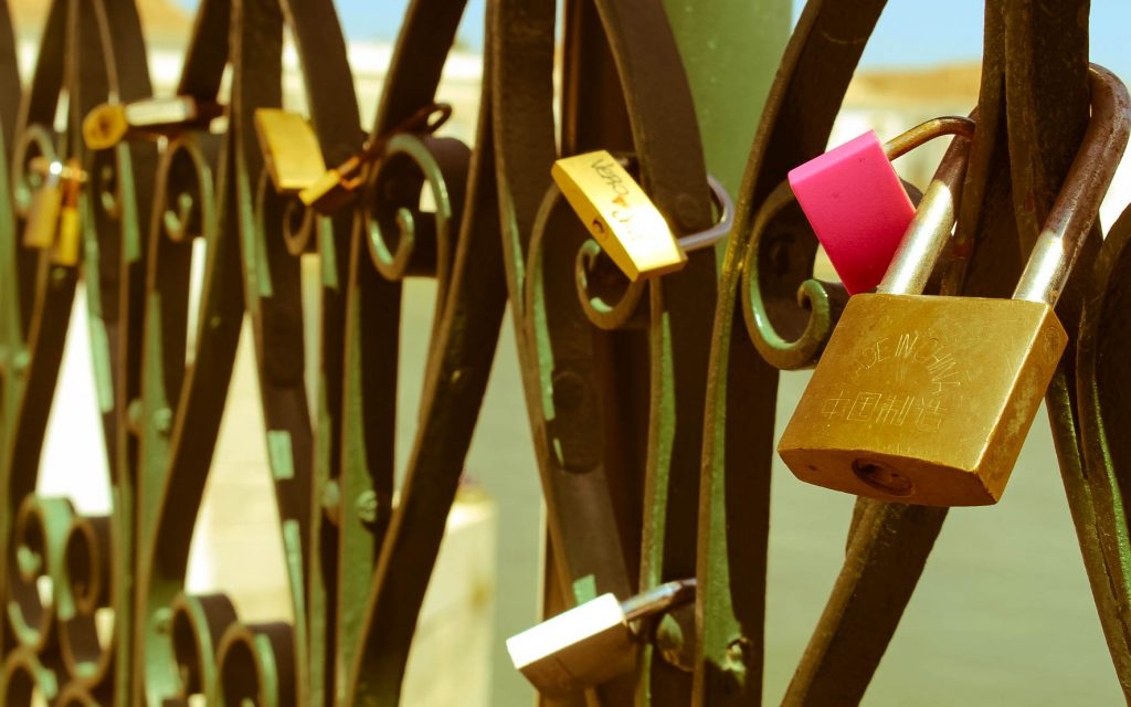 Tavira, Portugal the ALgarve, love locks, photography, professional blogger John Adams, stay at home dad, stay at home dad John Adams