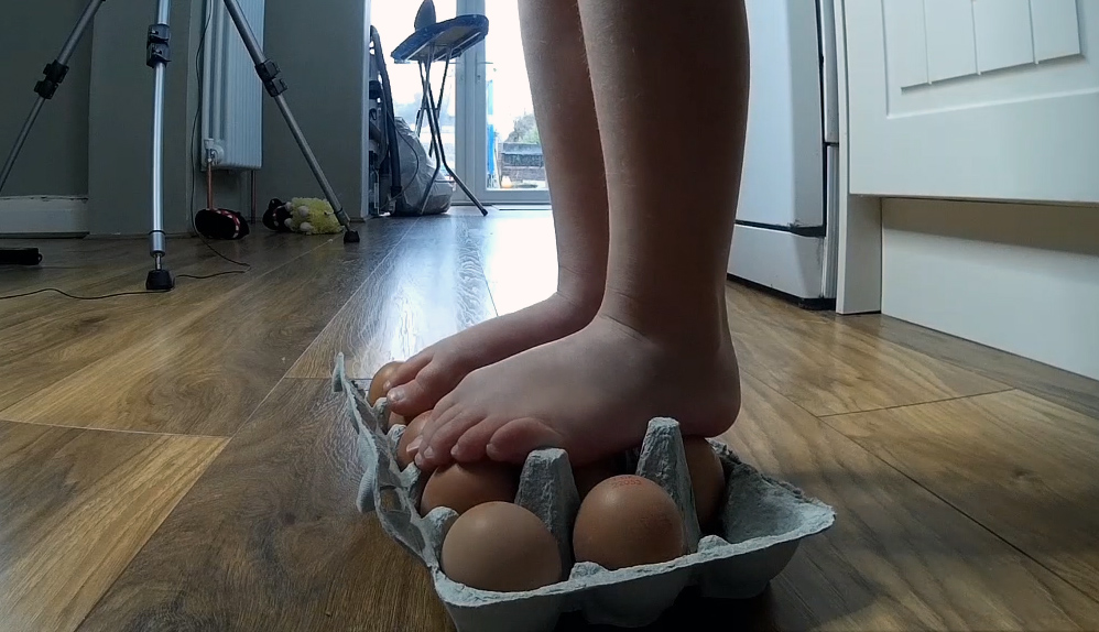 How strong is an egg? #HouseOfExperiments