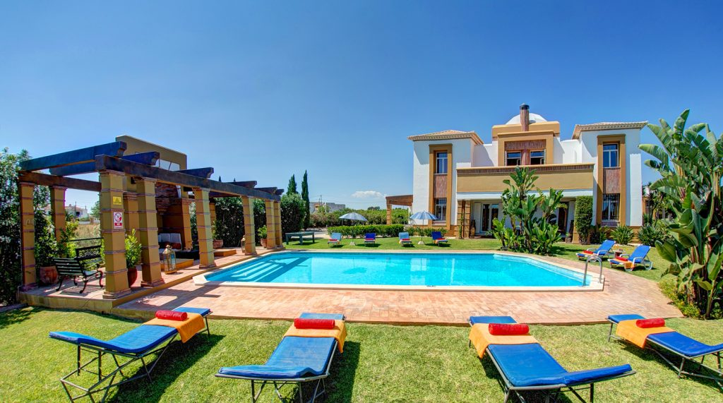 Villa, villa holiday, Villa Plus