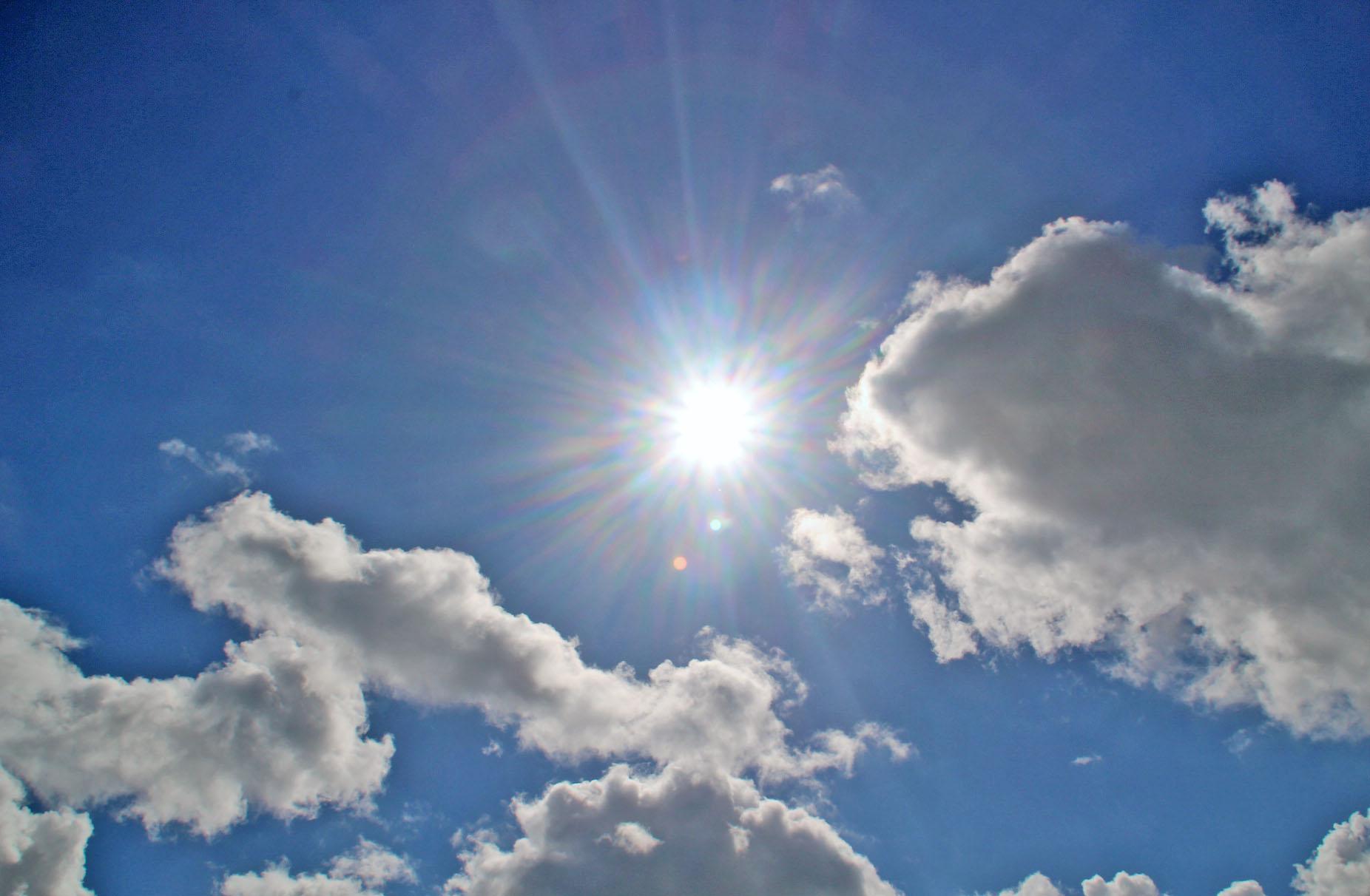 sun hits the sky, supergrass, Photography, #MySundayPhoto, sun, sky, clouds, dadbloguk, dadbloguk.com, dad blog uk, school run dad