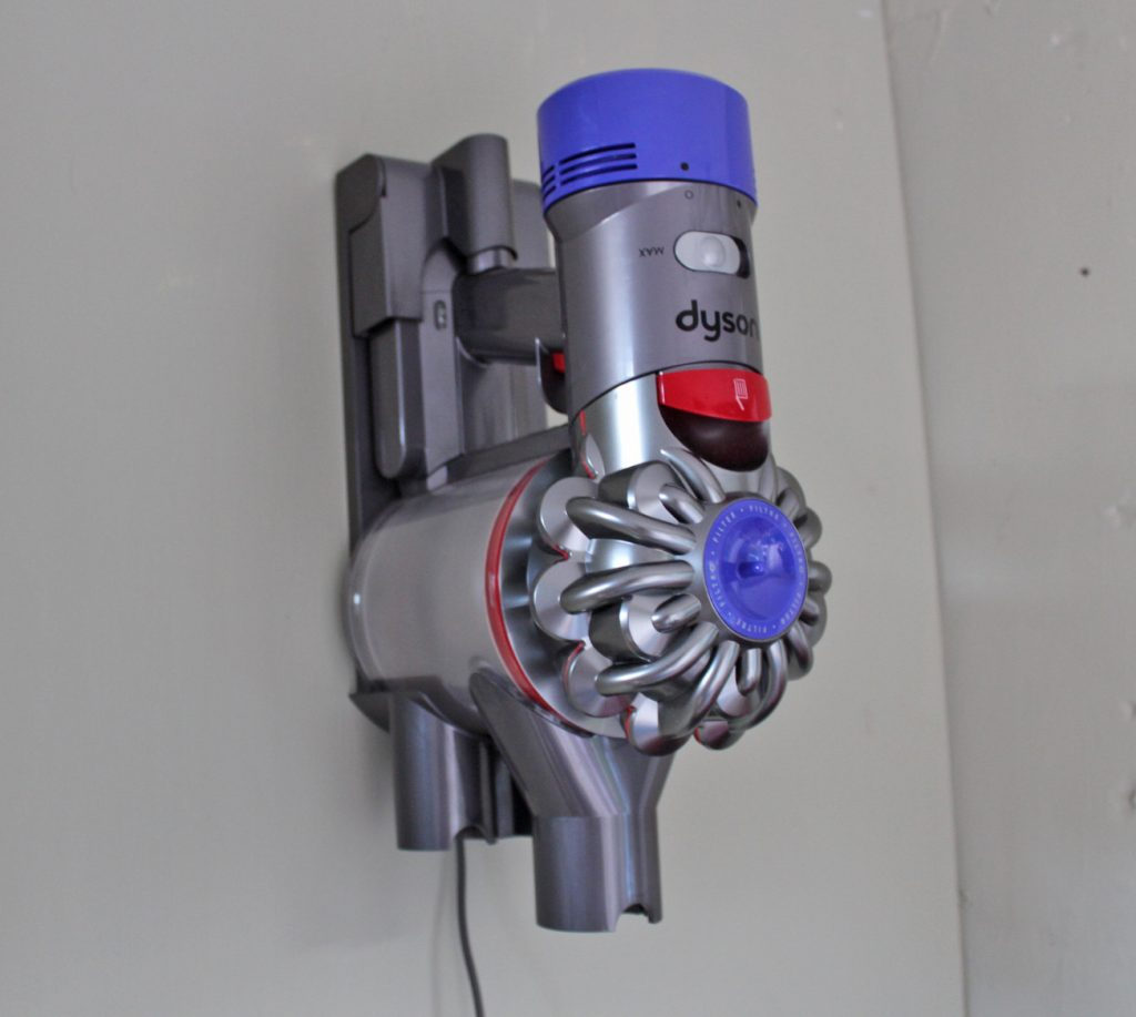Dyson, Dyson V8, Dyson V8 Absolute, cordless vacuum cleaner, dadbloguk, dad blog uk, dadbloguk.com, school run dad, family appliances, vaccum cleaner, reviews, review, Dyson V8 review, Dyson V8 Absolute review