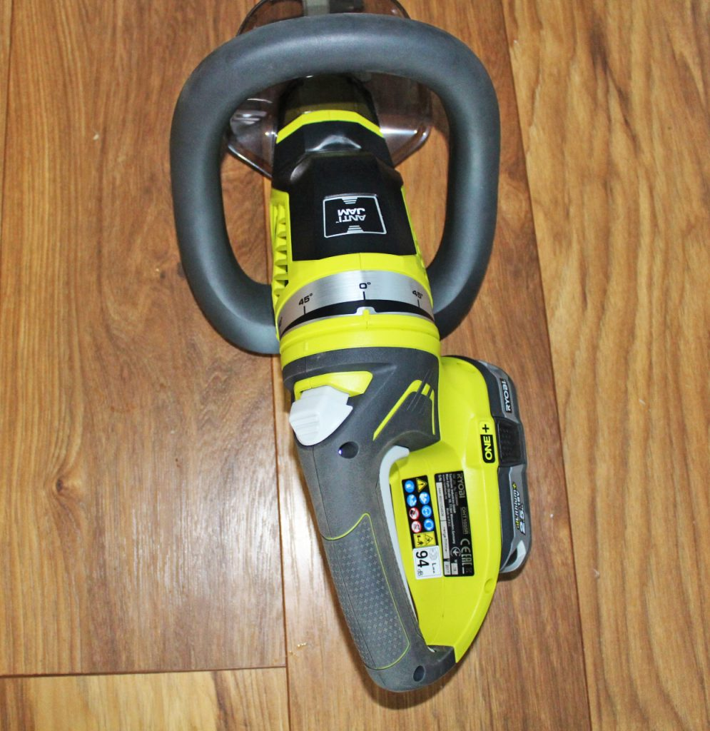 Ryobi ONE+ cordless hedge trimmer, school run dad, stay at home dad, dadbloguk, dad blog uk. dadbloguk.com, hedge trimmer review