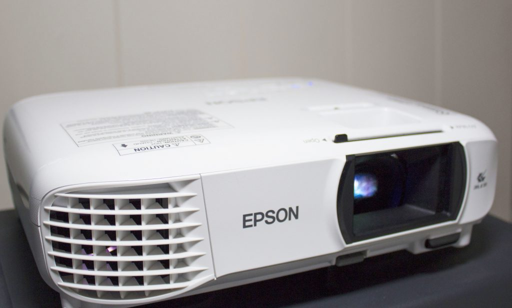 Epson Eh Tw650 Projector Any Good As A Family Home Cinema Dad