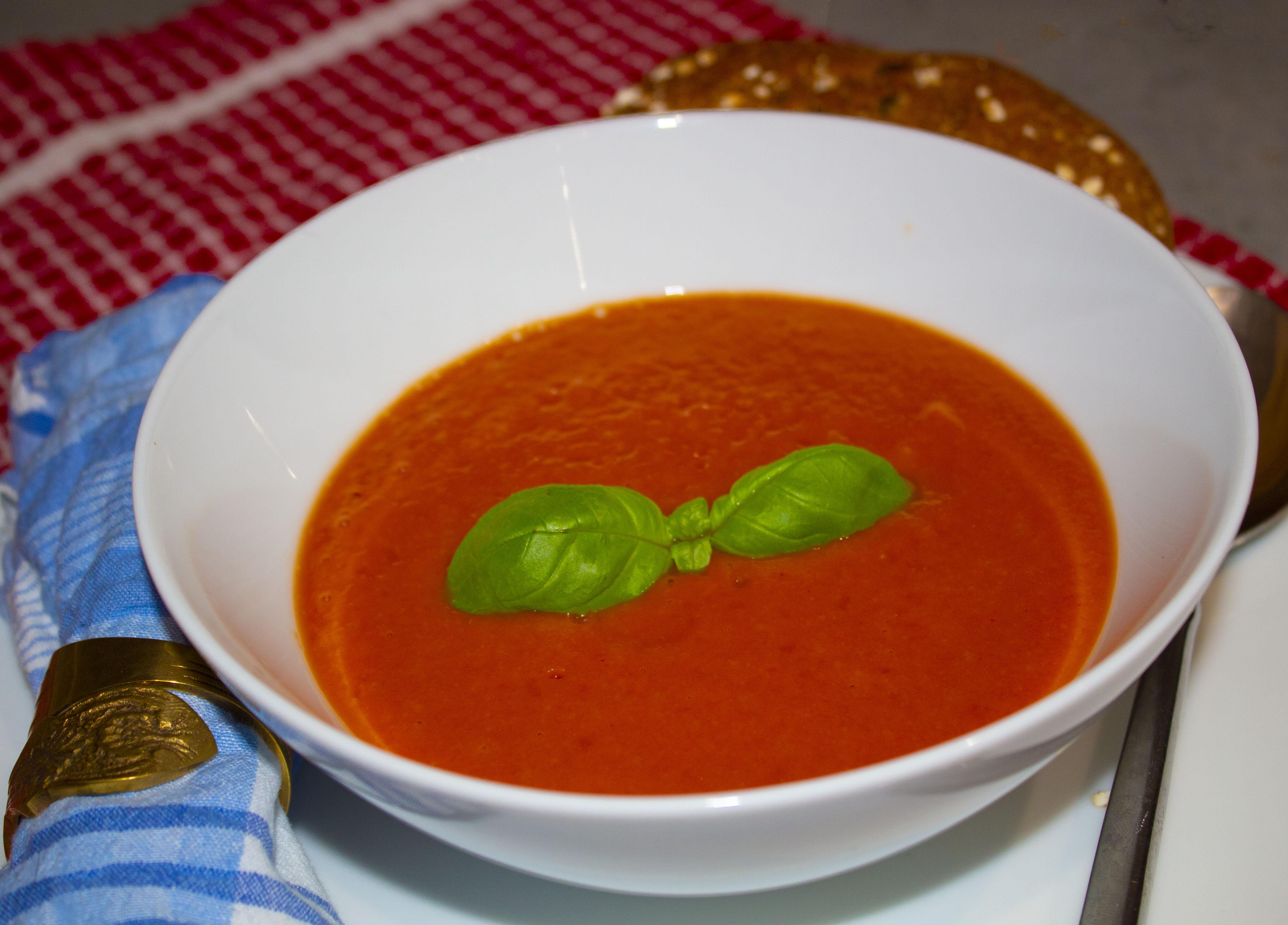 Cream of tomato soup recipe with Beko #EatLikeAPro