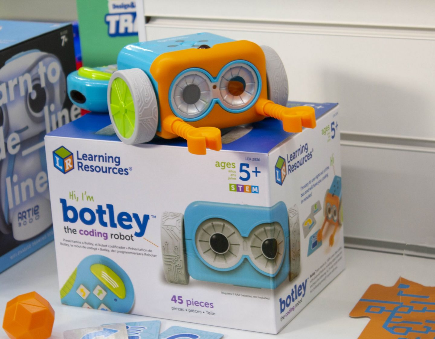 Botley, Learning resources, codingThe Toy Fair, Toy Fair 2019, The Toy Fair 2019, Microscooters, dadbloguk, dad blog uk, dadbloguk.com, school run dad, sahd, wahd toys, gifts