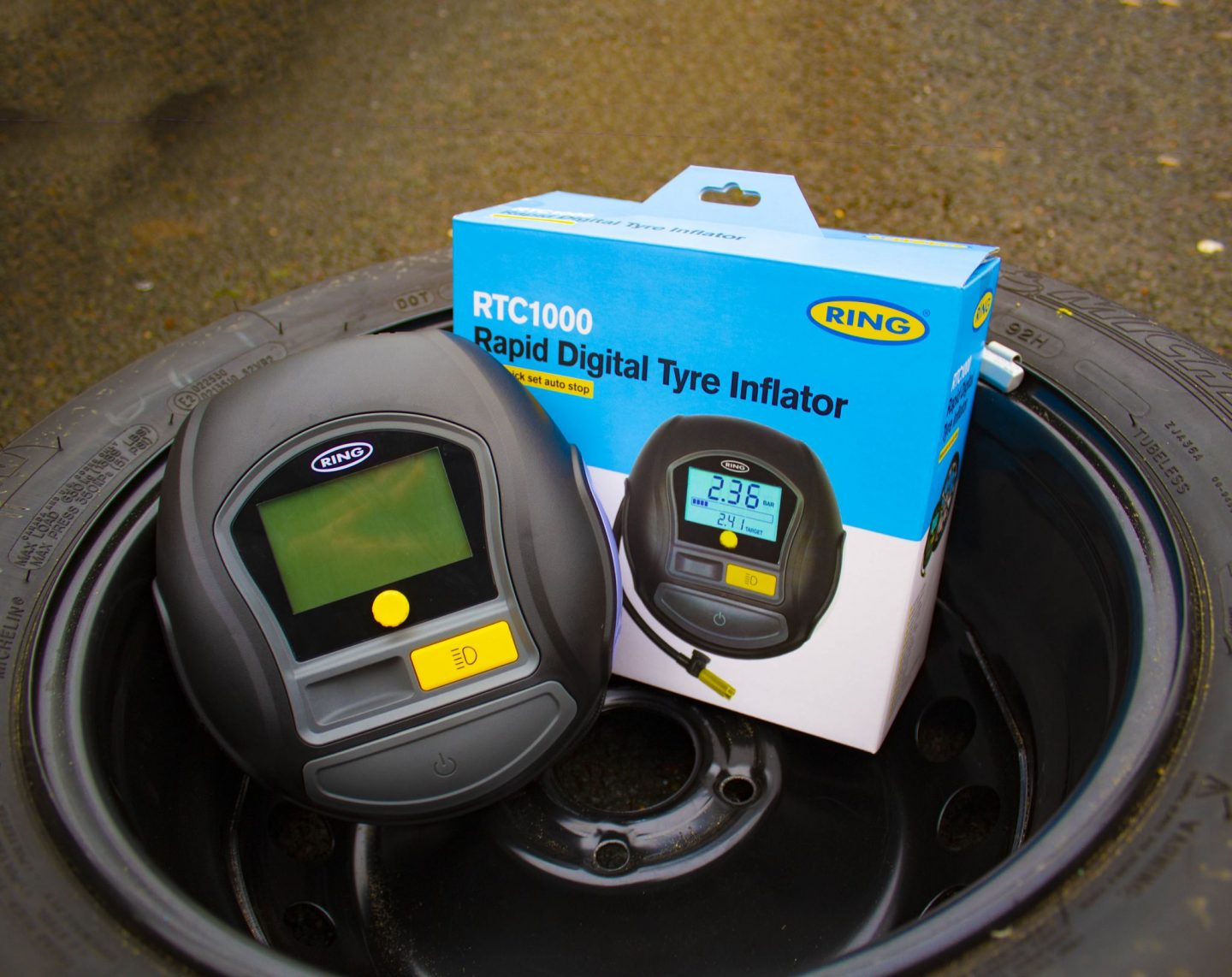 digital tyre inflator, ring digital tyre inflator, ring digital tyre inflator review, tyre inflator, RTC1000 rapid digital tyre inflator, car accessories, car accessory, motoring, dadbloguk, dadbloguk.com, dad blog uk, school run dad, 12v tyre inflator