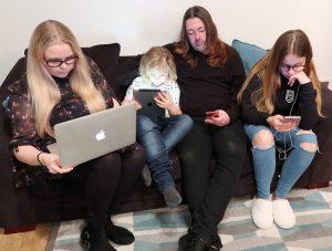 online safety, digital resilience, keeping children safe online, Adele Jennings, uk dad blog, dadbloguk, dad blog