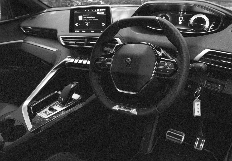 i-Cockpit, Peugeot i-Cockpit, Peugeot SUV