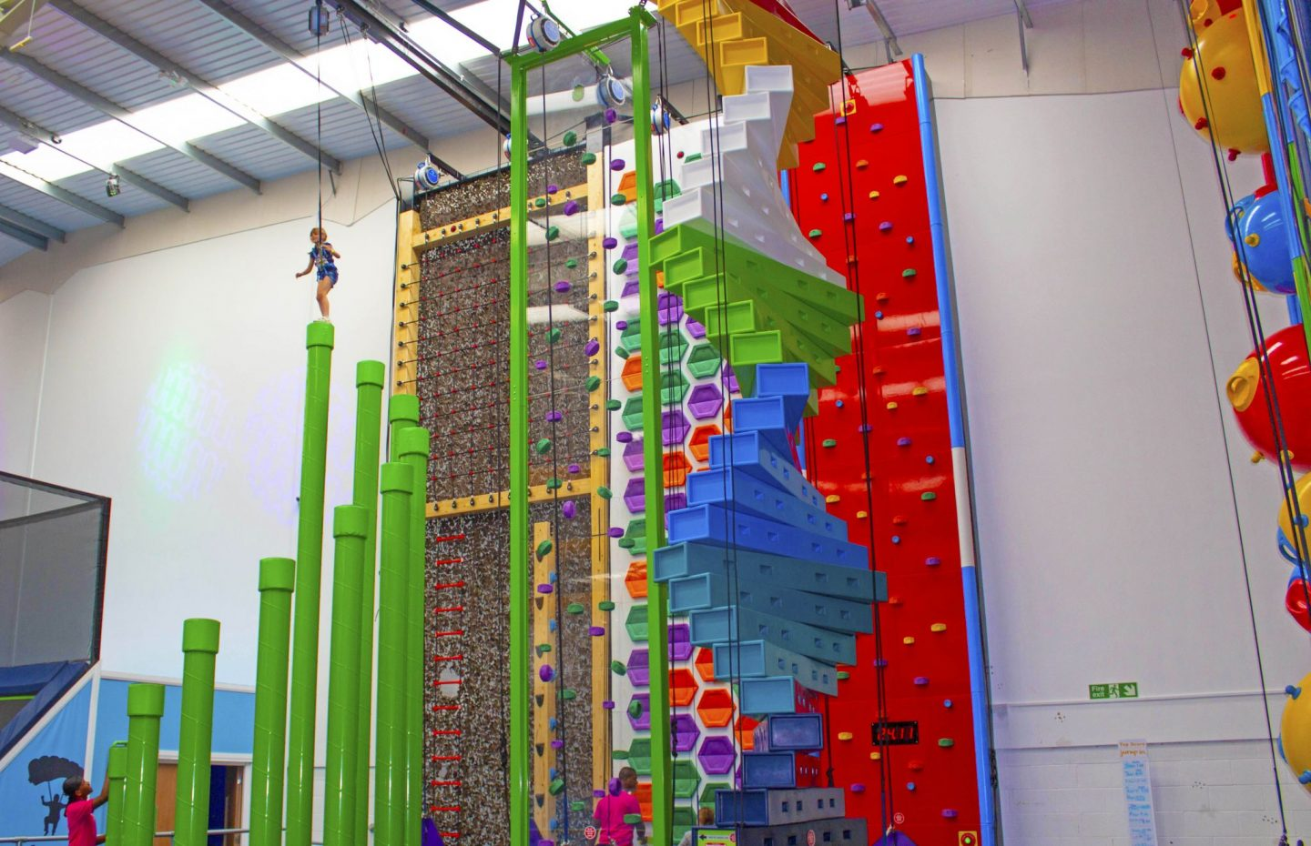 Clip n' CLimb, Clinp n' CLimb Enfield, Jump In, Jump In Enflied, Endield, dadbloguk, dad blog, climbing venue, days out