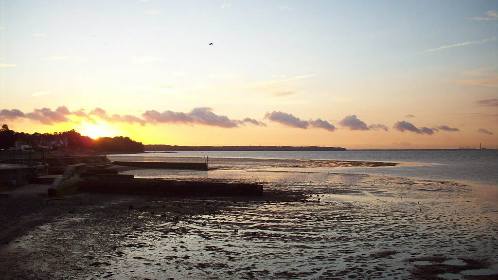 Ryde, Isle of Wight and Purbeck, Ryde Beach, self catering, Island Holiday Cottages