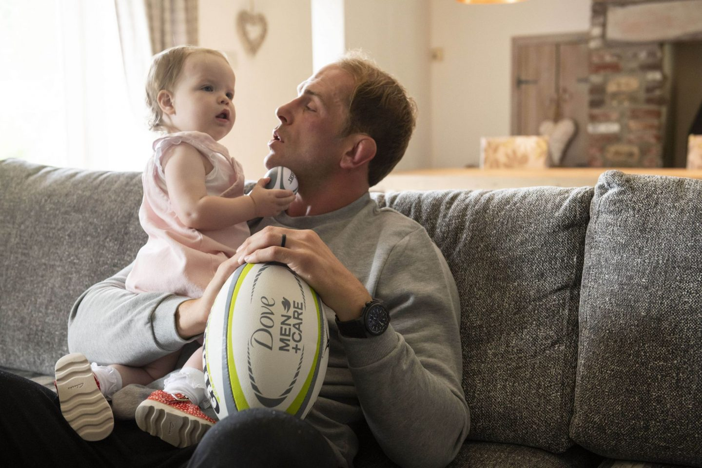 Alun Wyn Jones, Wales Rugby, rugby captain. Ospreys, fatherhood, dads, dad