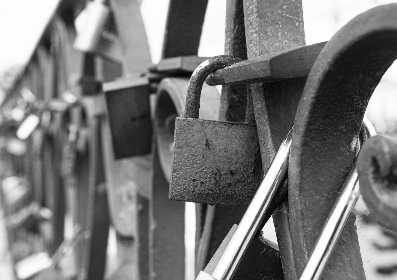 love padlock, love lockes, ponte romana, tavira, dadbloguk, dadbloguk.com
