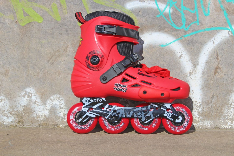 MT Plus skates seen in profile.