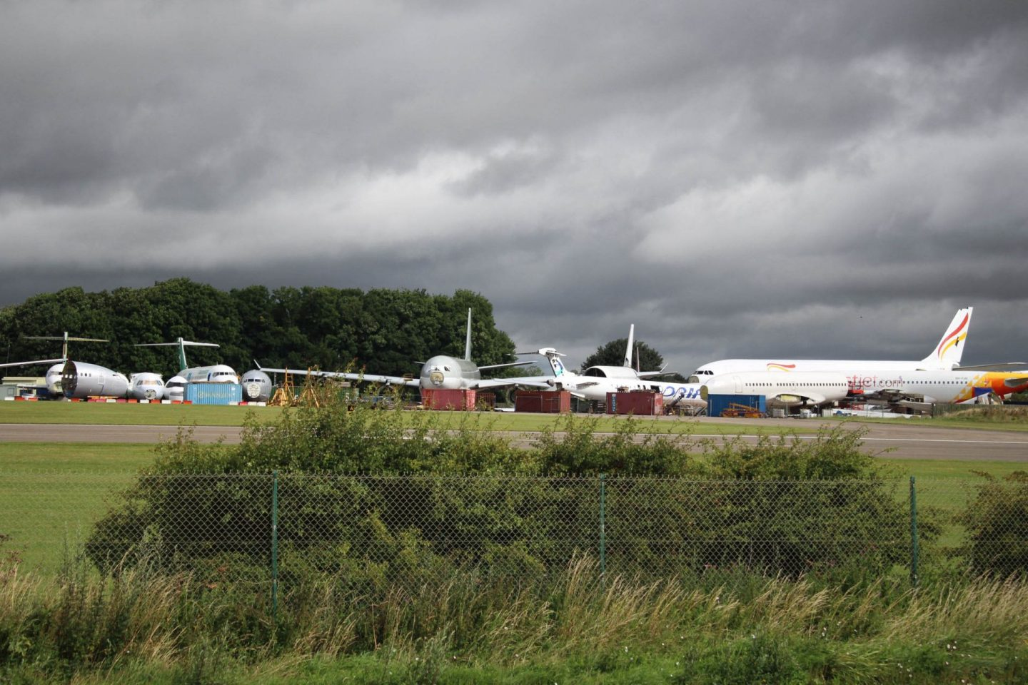 Aircraft going into storage or being decommissioned thanks to the Coronavirus pandemic