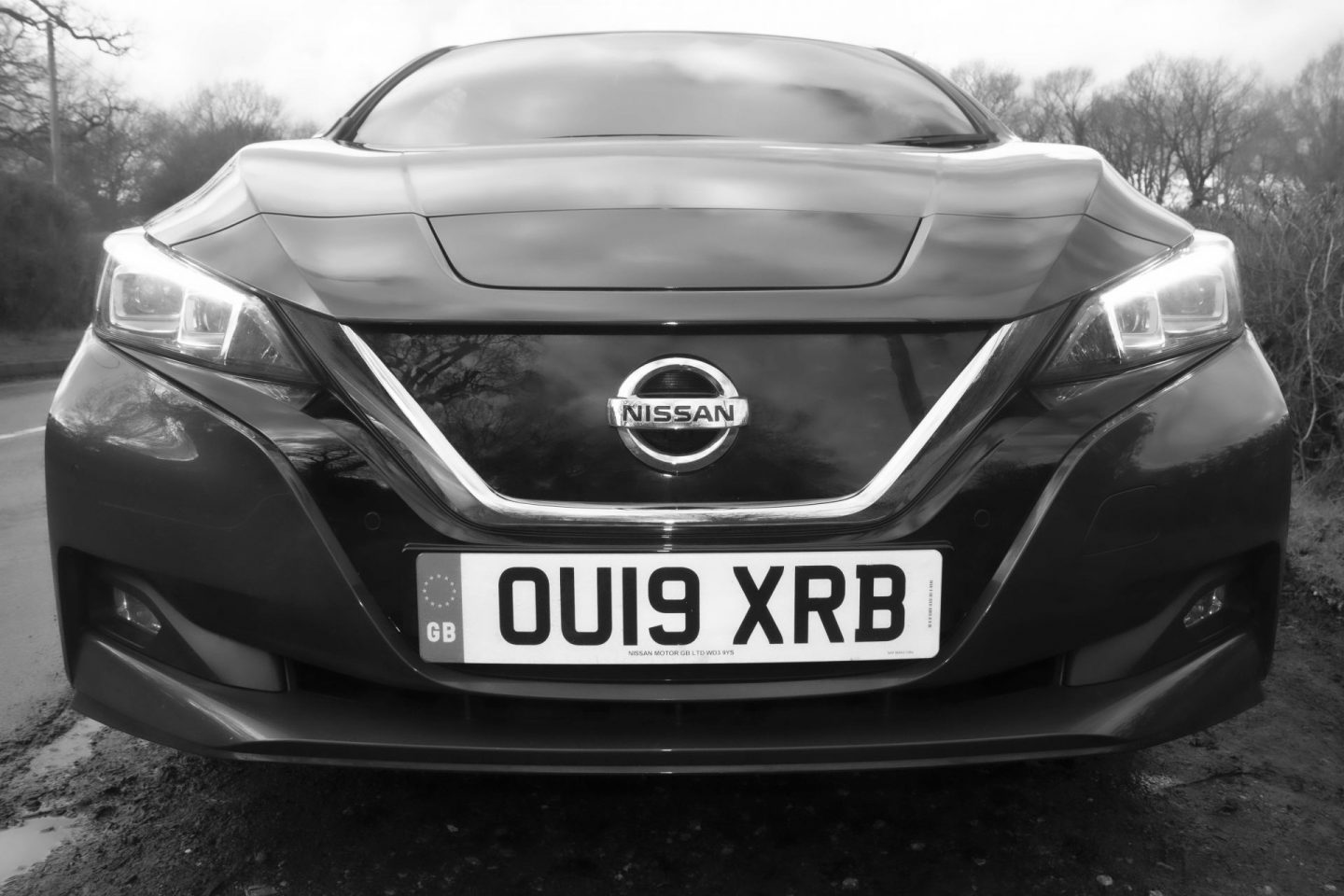 Black and white image of Nissan Leaf