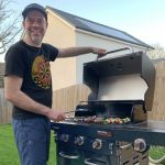 Cooking pancakes on a gas-grill: The Char-Broil Professional Core B3 #AD