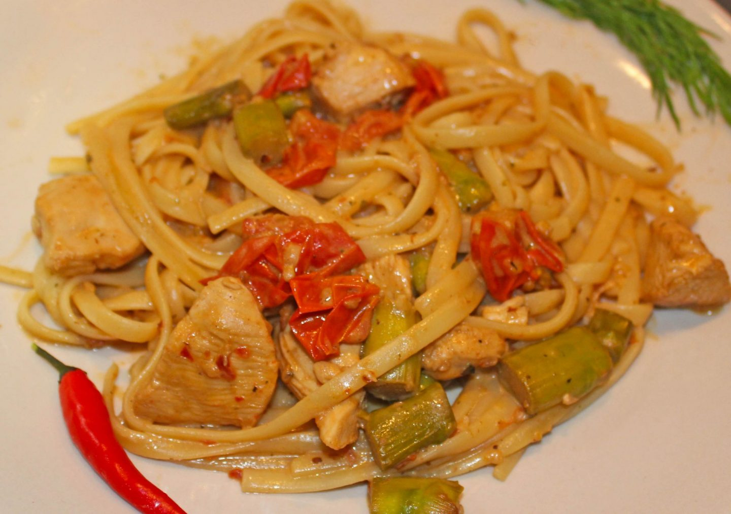 Cuban prawn pasta, adapted with chicken